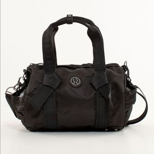 Lululemon DTB duffel gym bag black shoulder bag